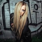 Avril Lavigne — American Idiot (Green Day Cover) live