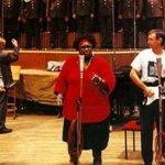 Fredericks Goldman Jones — Que disent les chansons du monde ?