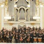 Hans Graf & Mozarteum Orchestra Salzburg — 6 Contredances, K. 462: No. 6 in F Major