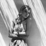 Kristen Bell — Love Is An Open Door