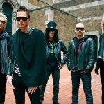 Velvet Revolver — Let It Roll
